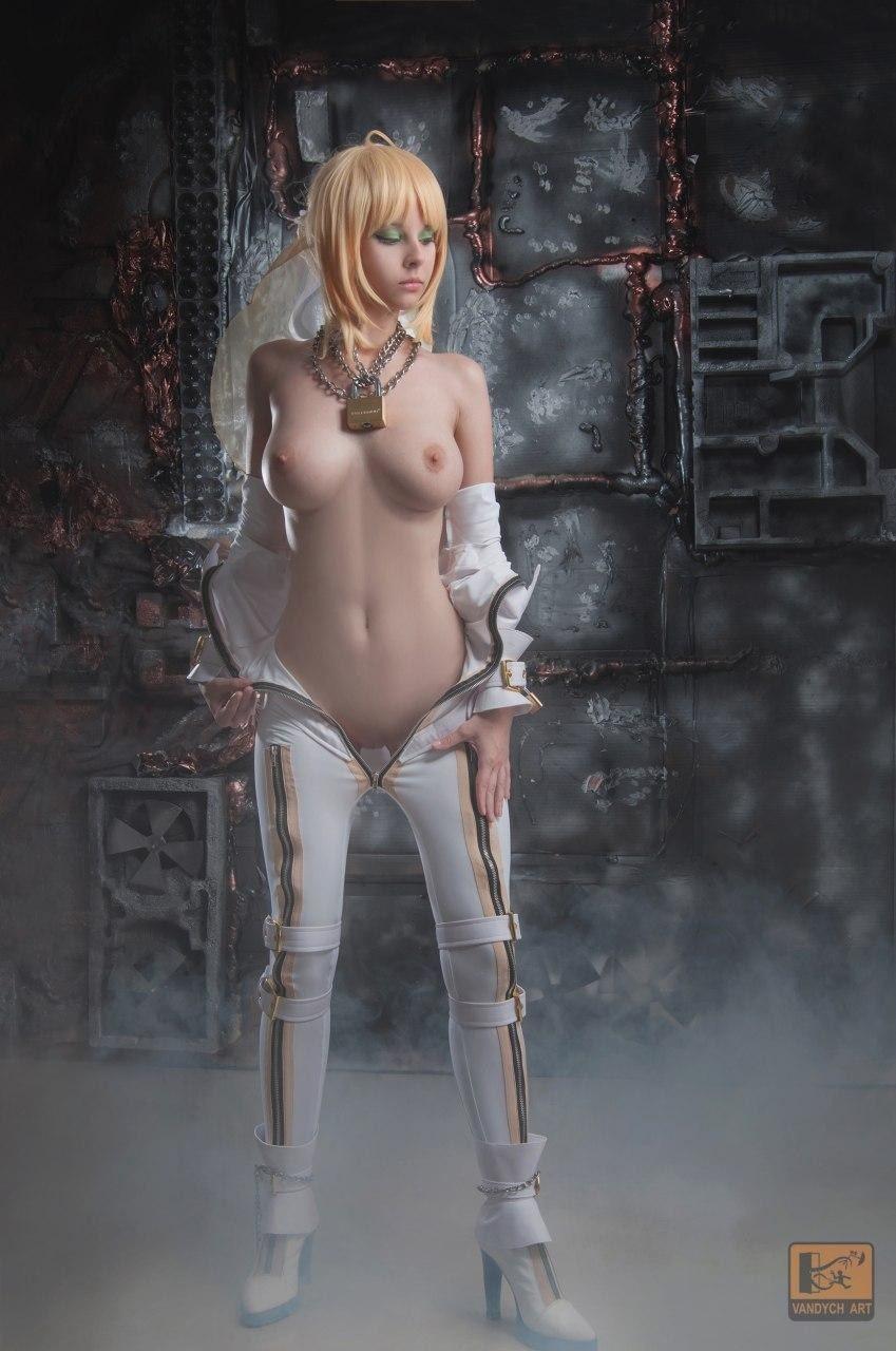 Nude von valentine Helly von