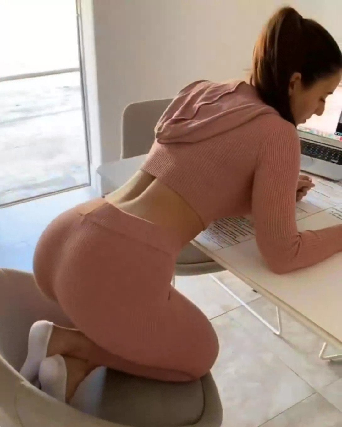 Anie Filipino Porn angie varona want a quick fuck while studying - fapgrams