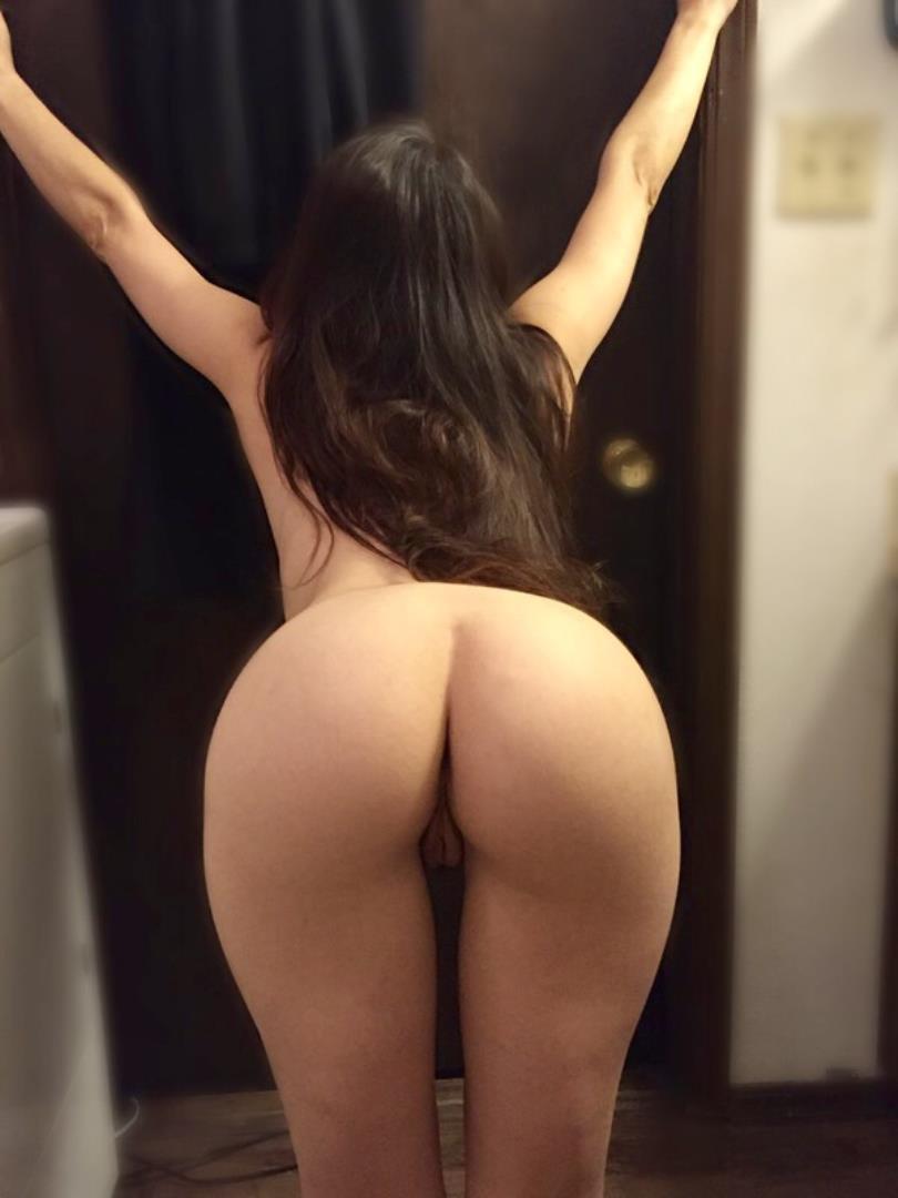 Candid ass bending over