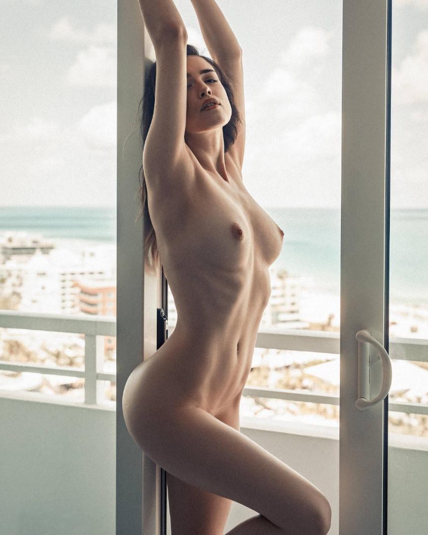 Free Lauren Goodger Nude